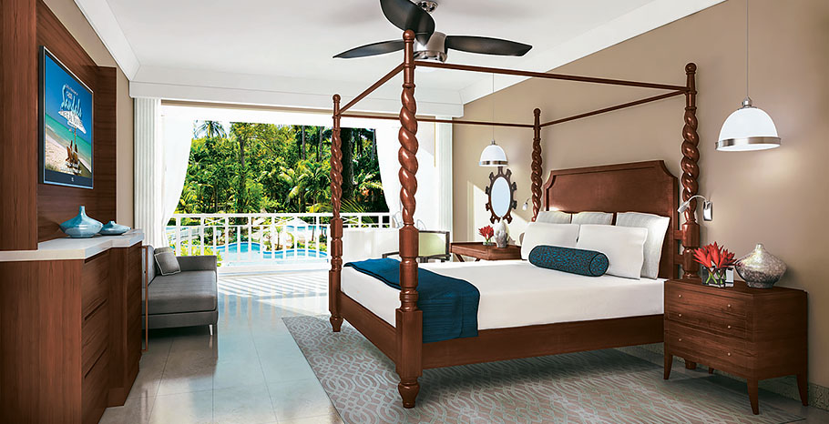 Crystal Lagoon One Bedroom Butler Suite with Balcony Tranquility Soaking Tub (1B)