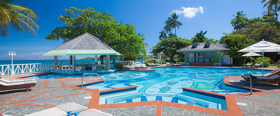 The Main Pool at Sandals Halycon Beach
