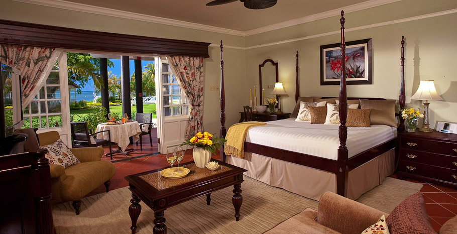 Honeymoon Beachfront Butler Suite (HS)