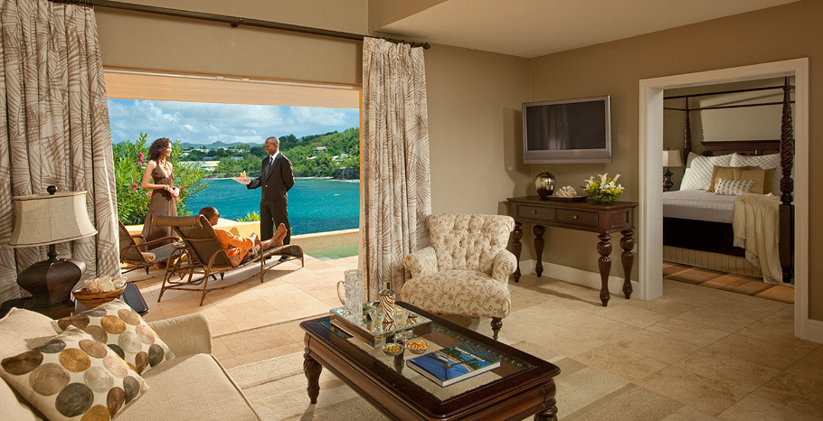 Sunset Bluff Honeymoon Oceanfront One Bedroom Butler Villa Suite with Private Pool (BS)