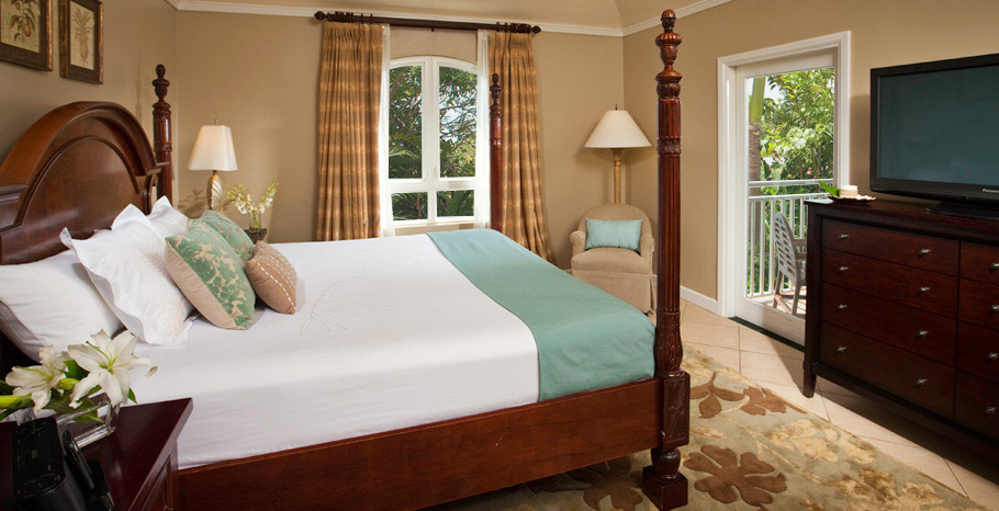 Sunset Bluff Honeymoon One Bedroom Butler Suite (BV)