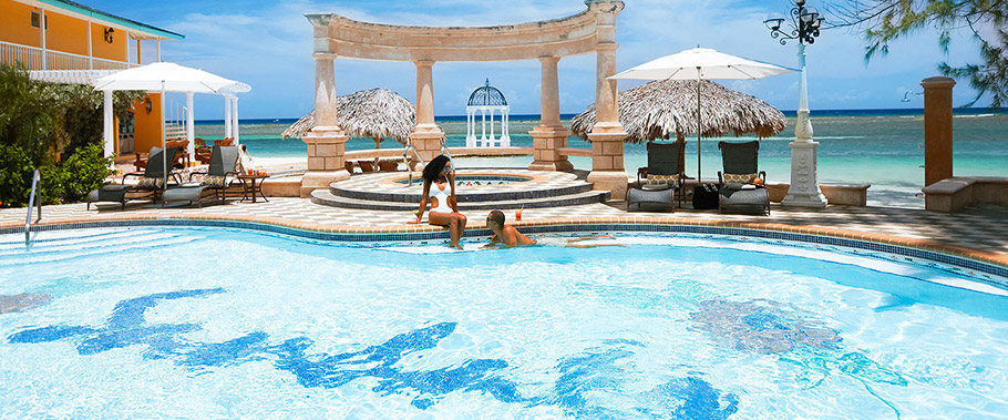 The Main Pool at Sandals Royal Caribbean