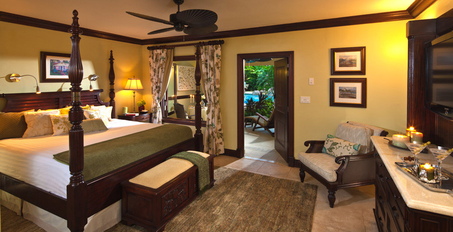 Walkout Swim up Crystal Lagoon Honeymoon Butler Suite (WS)
