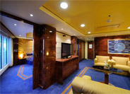 Yacht Club Royal Suite with Club Experience